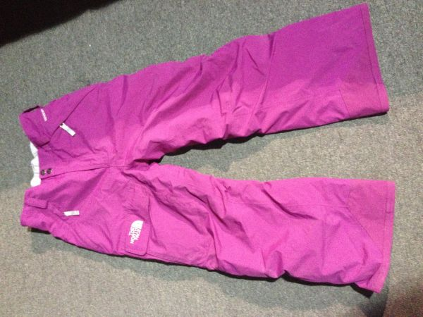 GIRLS BURTON SNOWBOARD, NORTH FACE SNOW PANTS, AND K2 BINDINGS - $1 (HOUSTON)
