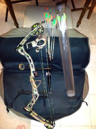 Hoyt Reflex Charger (R) Hand Compound Bow - $550 (Seabrook)