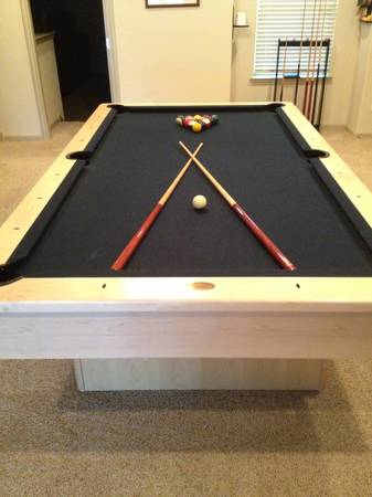 Pool Table Olhausen 8ft - $1500