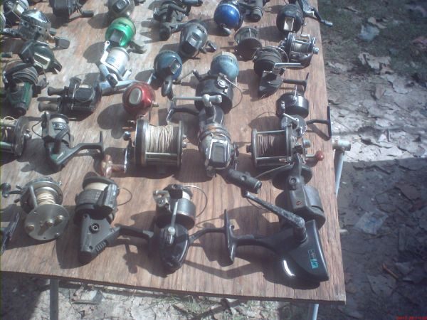 vintage fishing -rods,reels and tackle collection - $1000 (dayton aera)