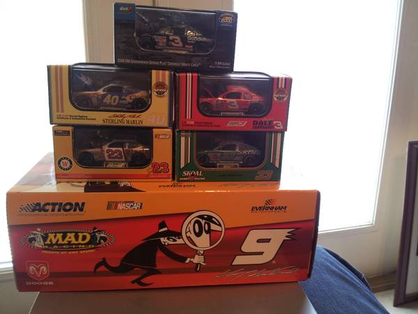ATTENTION NASCAR DIECAST COLLECTORS (Spring, TX)