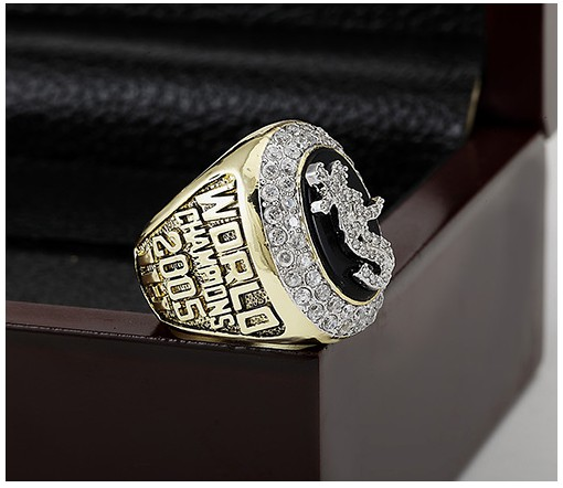 50  Chicago White Sox 2005 World Series Championship Replica Ring