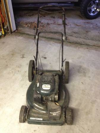 Craftsman self-propelled 22 6.75 hp lawn mower - $50 (North East Houston)