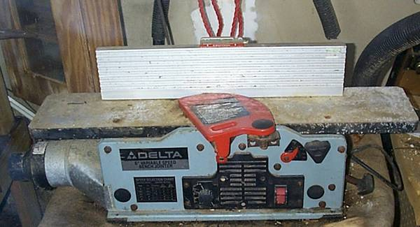 Delta 6 Variable Speed Bench Jointer - $125 (manvel)