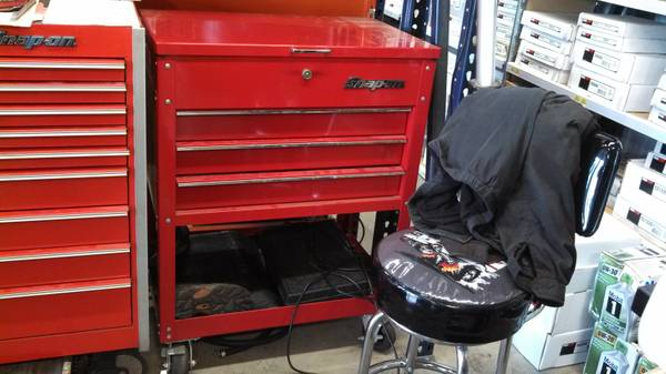 snap on roll cart - $500