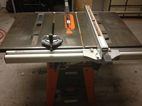 10 Cast Iron RIDGID Table Saw - $465 (Cypress)