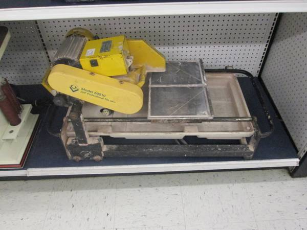 QEP Tile Cutter - $200 (1816 N. Durham Houston, TX)