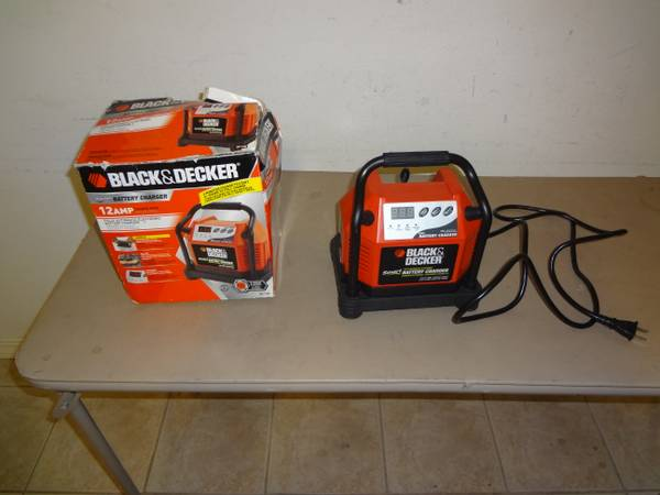 Black Decker BC12B Smart Battery Charger 12 Amp Fully Automatic Elec - $30 (nw hou)