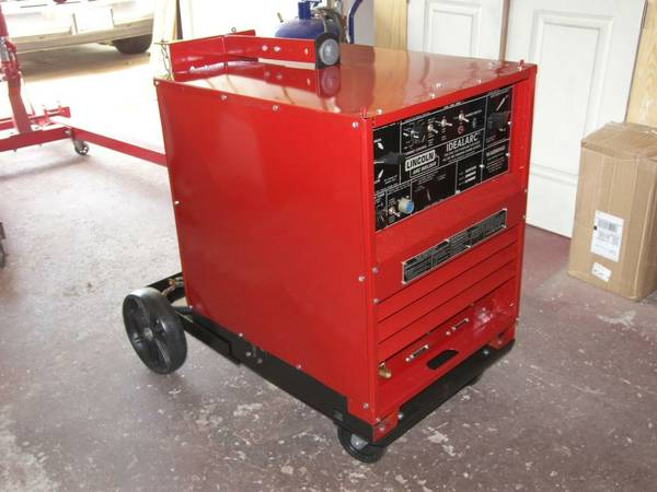 TIG Welder Lincoln Idealarc 250 Amp Single Phase 230460 volts - $1200 (Tomball)