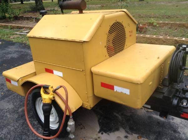 INDUSTRIAL GAS POWERED ROTARY AIR COMPRESSOR WITH A JACKHAMMER - $3300 (SPRING-THE WOODLANDS-NORTH HOUSTON)