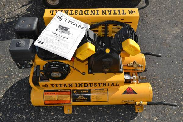 TITAN INDUSTRIAL AIR COMPRESSOR - $550 (KINGWOOD)