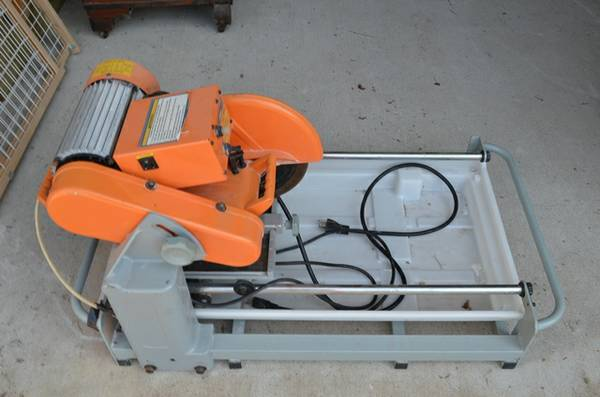 Chicago Electric 10 Tile Saw - $100 (77044)