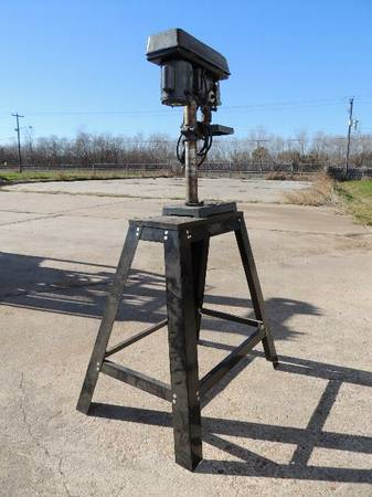 CRAFTSMAN 8in Drill Press 13 HP 5 Speed 12in Chuck with Stand - x0024125 (Rosenberg)