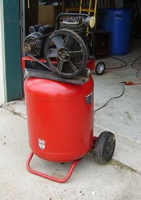 Used Snap On 5 HP 30 Gallon Air Compressor - $800 (Bacliff)