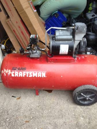 CRAFTSMAN 33 GALLON AIR COMPRESSOR - $90 (WILLOWBROOK)