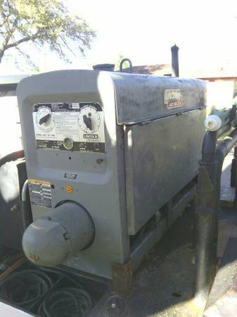 Lincoln welder sa 200 - $4200 (bay city)