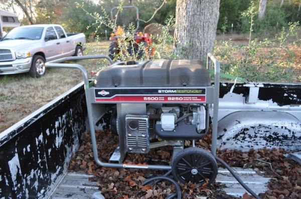Briggs and Stratton Storm Responder 5500 watt generator - $400 (Buffalo, TX)