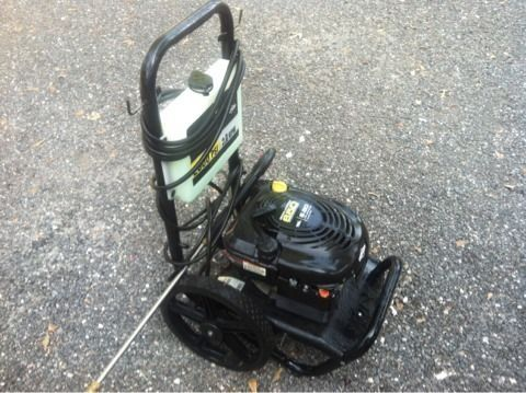 Brute Briggs Stratton 2500PSI Gas Powered Pressure Washer - $200 (Kingwood,TX)