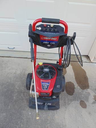 Troy-Bilt 2700 PSI 2.3 GPM Gas Pressure Washer - $200 (Clearlake)