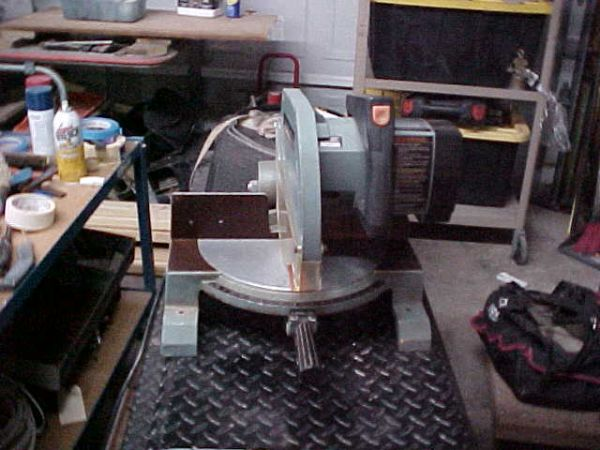 Delta Industrial Miter Saw - $75 (The Woodlands, TX)