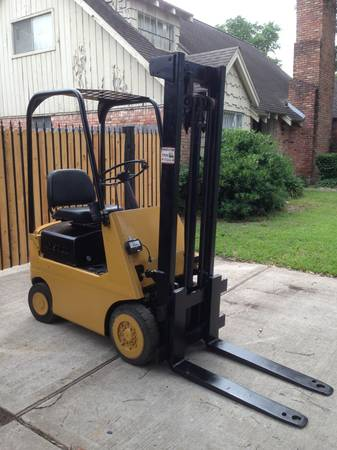 Hyster Forklift 2000lbs - $2500 (SE HOUSTON)