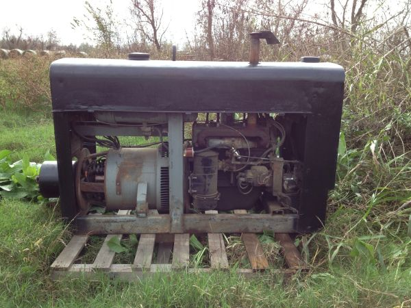 66 red face Lincoln welder - $3500 (Baytown)