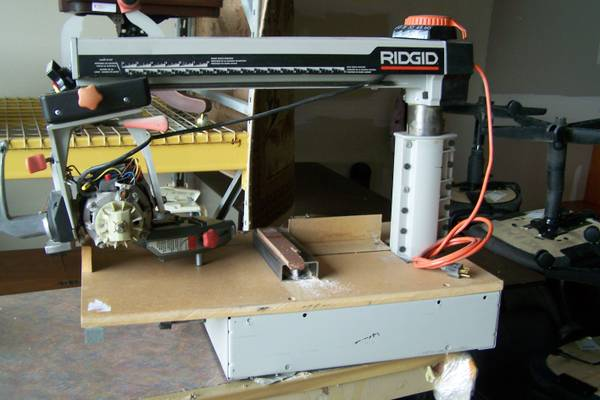 Rigid RADIAL ARM SAW - project saw. - $60 (Near Reliant Stadium)