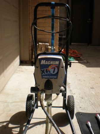 GRACO MAGNUM XR7 AIRLESS PAINT SPRAYER - $450 (HWY 6CLAY ROAD 77084)