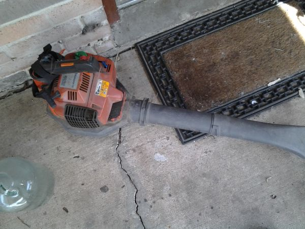 husqvarna e tech 225b blower - $65 (katy)
