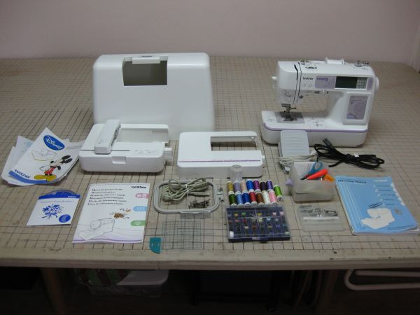 Brother Innov-is NV900D Sewing Embroidery Machine Used - $350 (La Porte)