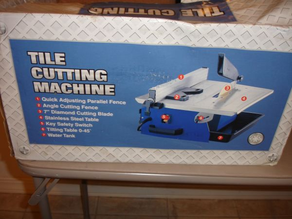 TILE CUTTING MACHINE CTC550 7 WET TILE TABLETOP SAW - $20 (NW HOUSTON)
