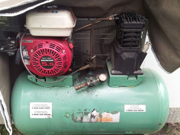 Speedaire by Dayton 5.5HP Honda gas air compressor - $800 (east Houston I10 normandy)