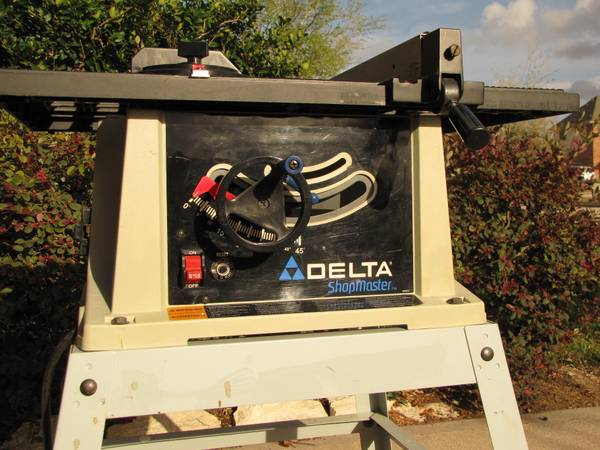 Delta 10 table saw - Shopmaster TS200LS - $60