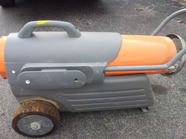 DYNAGLO PRO KEROSENE MULTI FUEL HEATER BLOWER - $190 (North Houston)
