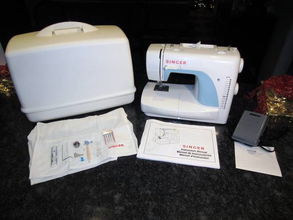SINGER SEWING MACHINE MODEL 3116 MINT NEW NEVER USED - $125 (NW HOU)