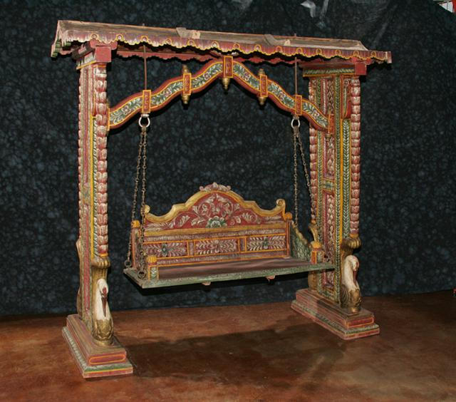 3 200  Wooden Antique Handpainted Swing