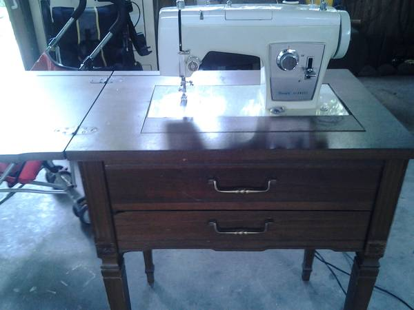 Vintage60s working sears kenmore sewing machine woriginal desk. - $80 (Nw houston)