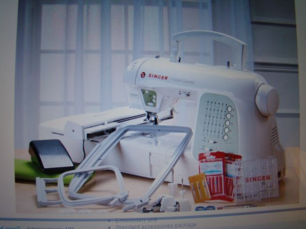 Singer Futura Quartet SEQS-6000 4-in-1 Machine with Value Package - $725 (Angleton - Lake Jackson)