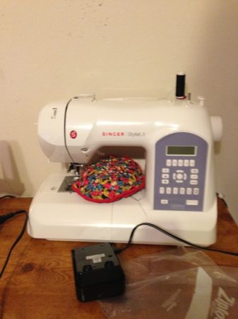 SINGER STYLIST II SEWING MACHINE  - $300 (290barker cypress)