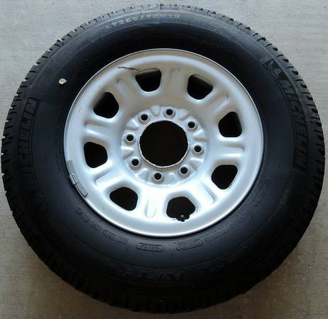 2011-2013 Chevy 2500 8-Lug Spare Wheel  Tire - $150 (League City)