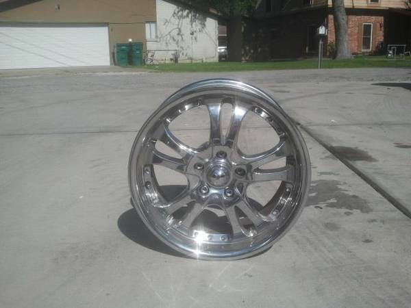 97349734973417 x 7.75 American Racing Chrome Wheels with 1.5 Spacers - $300 (Dickinson)
