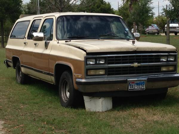 1990 Suburban Chevy GMC -- FOR PARTS -- - $1 (Nw)