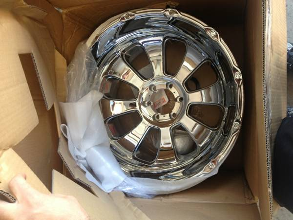 22x14 XD ARMOUR WHEELS 6 LUG - $600 (cypress)