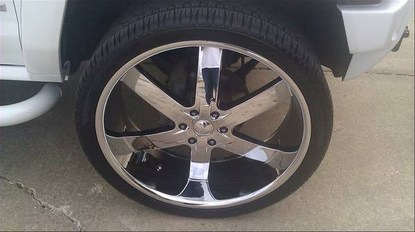CLEAN 26 INCH RIMS 95 TIRES 6 LUG - ALMOST NEW. LOOK - $1900 (southwest houston )