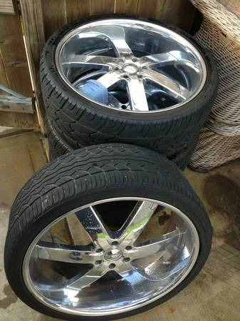 ESCALADE CHROME 26 INCH WHEELS RIMS TIRES U2 55S Tahoe GMC Q56 - $1500 (CYPRESS)