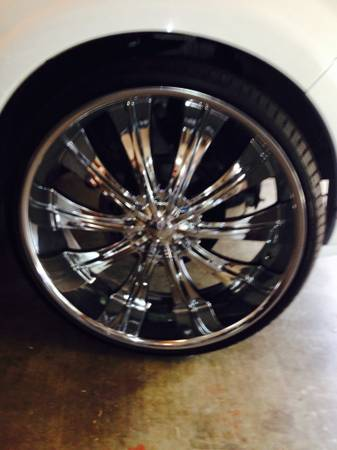 28 inch Chrome rims tires BRAND NEW - $2800 (Rosenberg Texas )