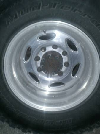 16.5 wheels ford 8 lug  Pattern - $120 (north Houston)
