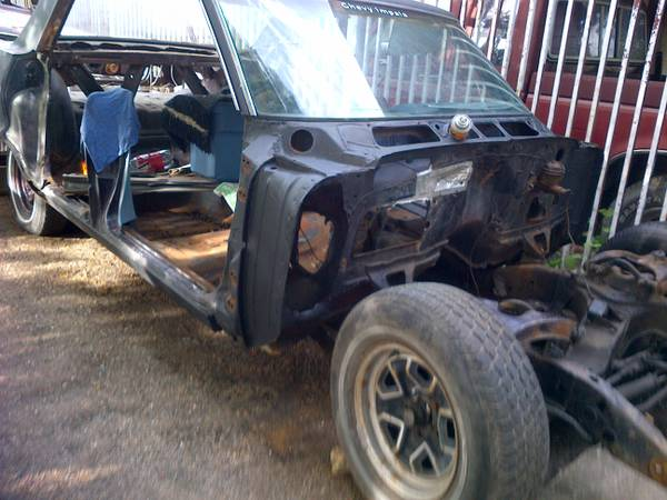 1964 impala parts car with title - $140 (south east)