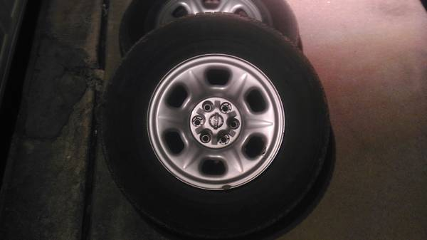 15 Nissan Frontier Rims 1 tire - $100 (NW Houston, katy, cypress)