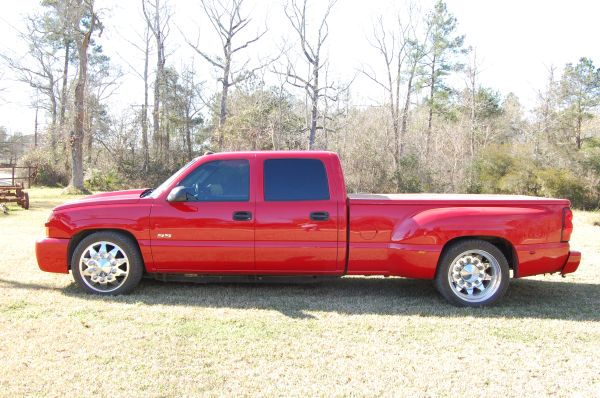 2004 CHEVROLET C3500 CREW CAB DURAMAX LOWERED SS DUALLY CUSTOM - $14500 (cleveland tx)